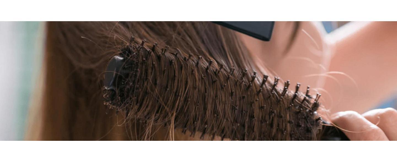 6 Langkah Mudah Merawat Rambut Kering Tanpa Harus ke Salon